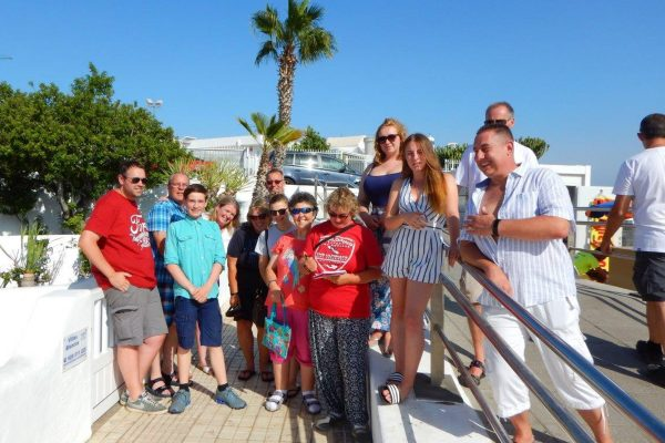 Fun scuba diving holidays for families, couples, adults and children in Lanzarote with Scuba 2000